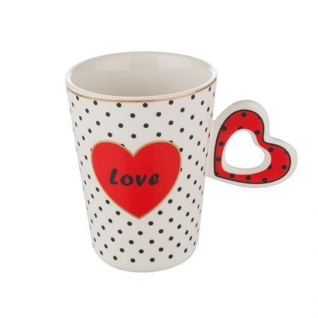 Чаша с червено сърце