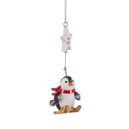 Коледно пингвинче на ски